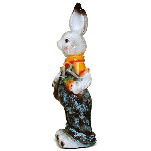 Садовая скульптура Зайка с сумкой и морковкой - фото 14270