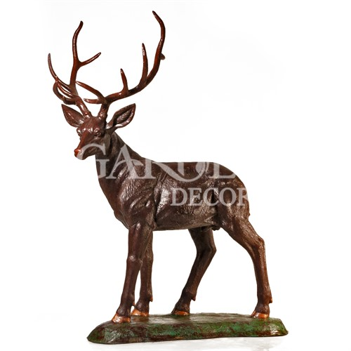 Бронзовая скульптура олень