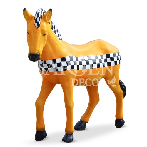 Фигура для сада фото лошадь