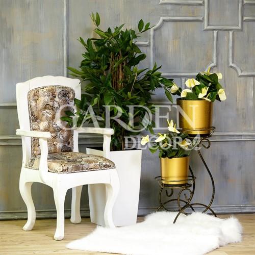 Подставка под цветы из металла