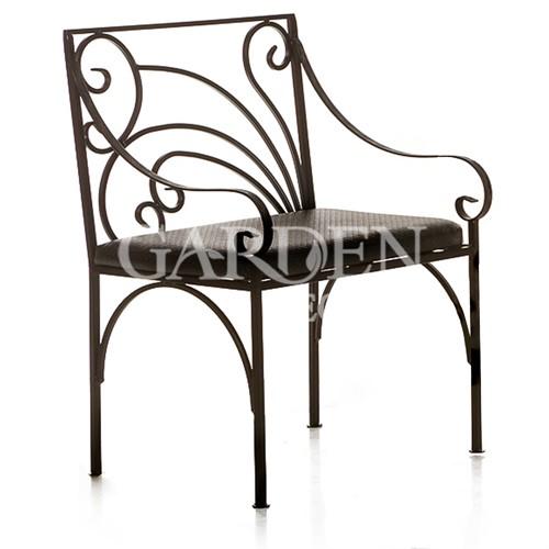 Кованое кресло для сада