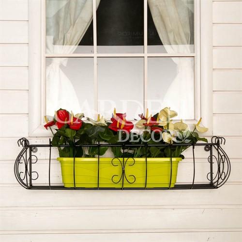 Кронштейн для цветов за окном