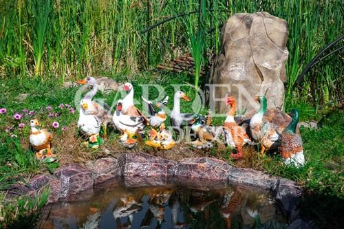 Садовые фигурки утки