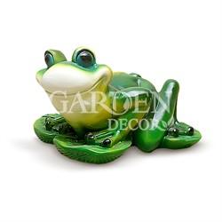 Садовая фигура лягушка на кувшинке