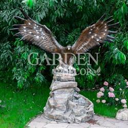 Садовый фонтан орел